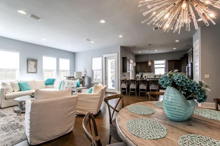 Heart of Miramar Brand New House/All New Shabby Chic Coastal Furniture