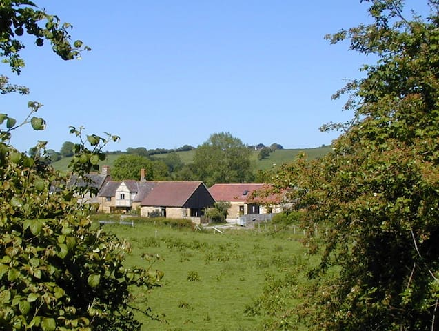 The Old Stables - lovely rural home