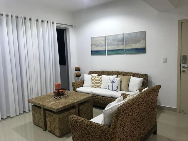 Cozy Apt Near Beach!!!