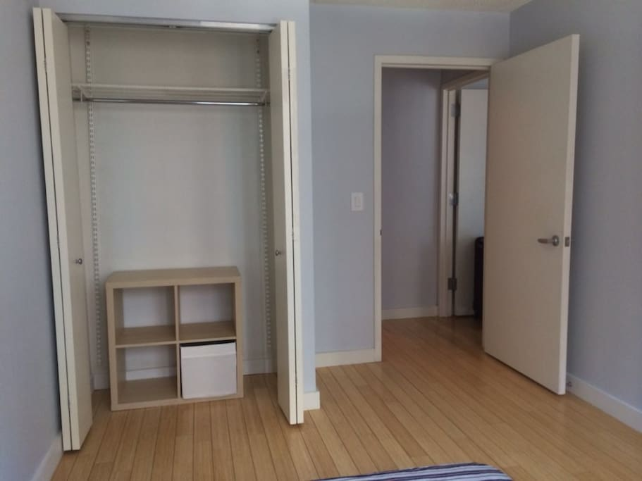 Midtown nyc private room w private bathroom for Rooms for rent in nyc with private bathroom