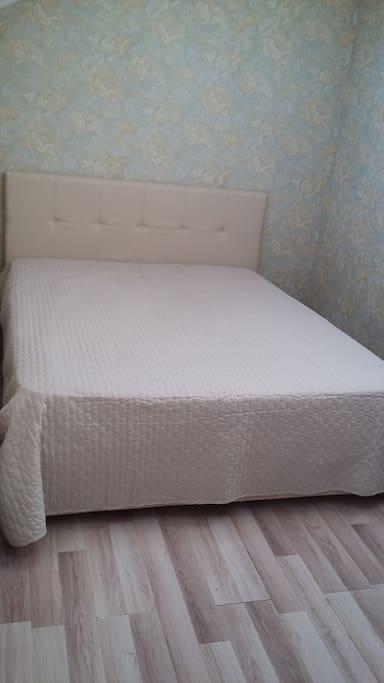Спальня 12 метров кровать 160см