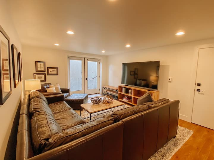 North Avenue Suite - Beautiful and Brand New!