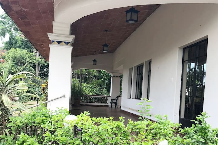 Habitación con terraza privada en bella residencia