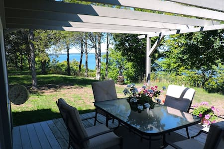 The Here & Now - Prince Edward County - Chalet