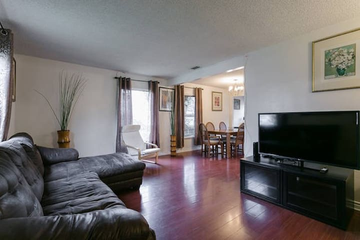 3 Bedroom House - Los Angeles - House