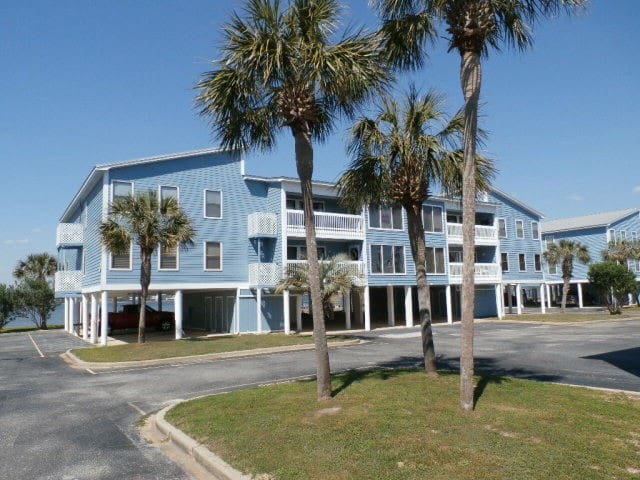 Sea Oats Sun and Fun Condo / Free Wi-Fi