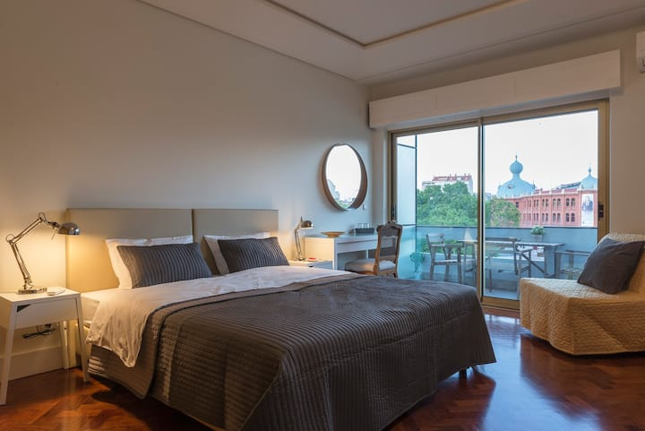 República B&B & Arts: Big bedroom with balcony Q8