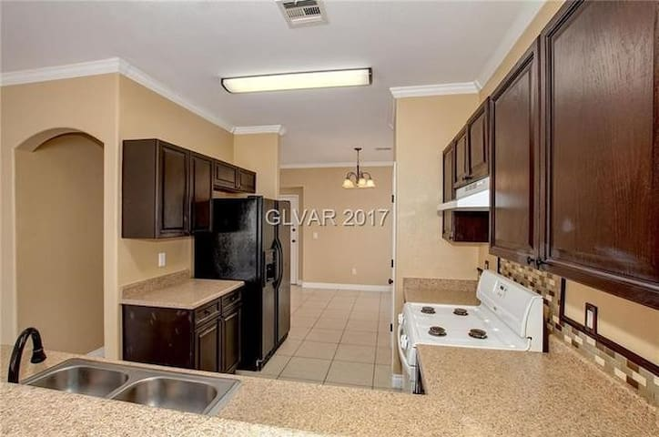 Month to month Southwest Upscale Entire 3 BR Home