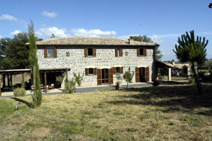 Private Villa with pool near Orvieto, sleeps 14