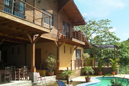 AVELLANA BEACH-TAMARINDO  BIG HOUSE - Huis