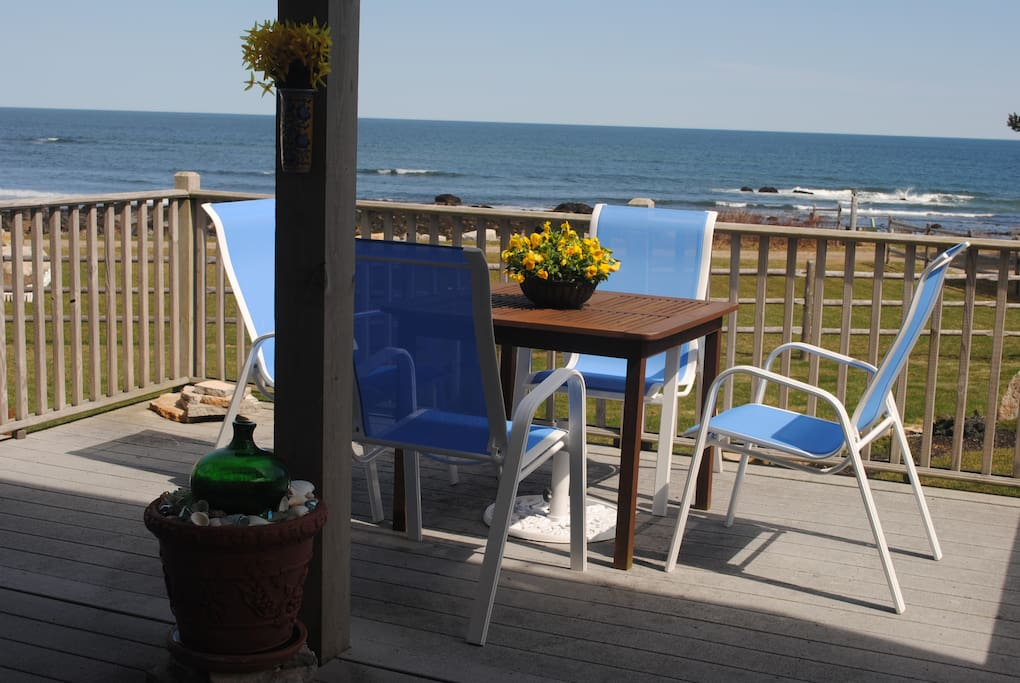 your Oceanside dining area