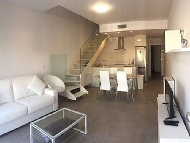 brand new 2016 linked villa 400m to the beach - San Pedro del Pinatar - House