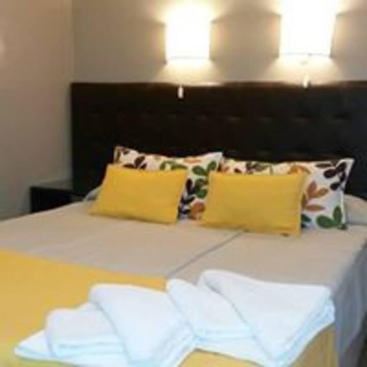 Habitación Cuádruple (matrimonial+2 camas)