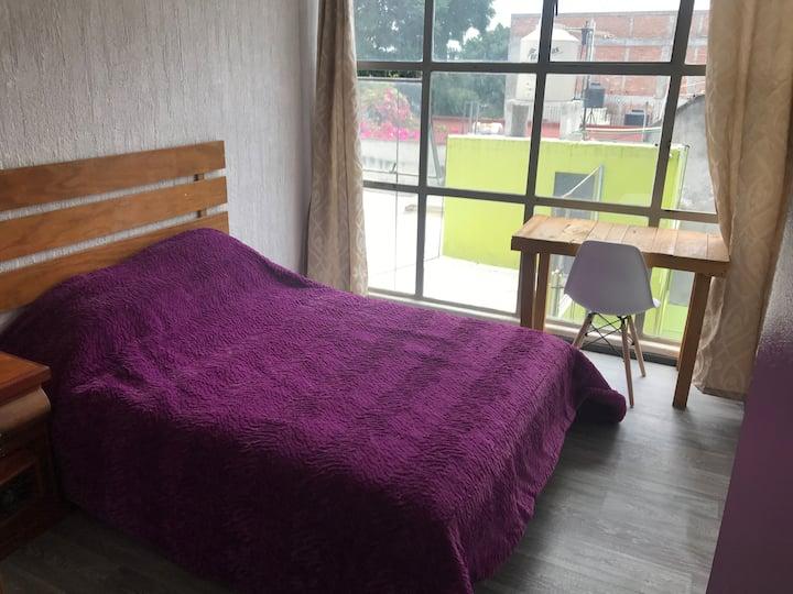 Habitación soleada, tranquila,excelente ubicación