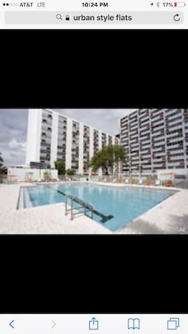 Pool restaurant hotel life - Saint Petersburg - Byt