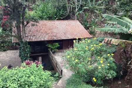 Casa de Madeira em Guaramiranga - Guaramiranga - Hus