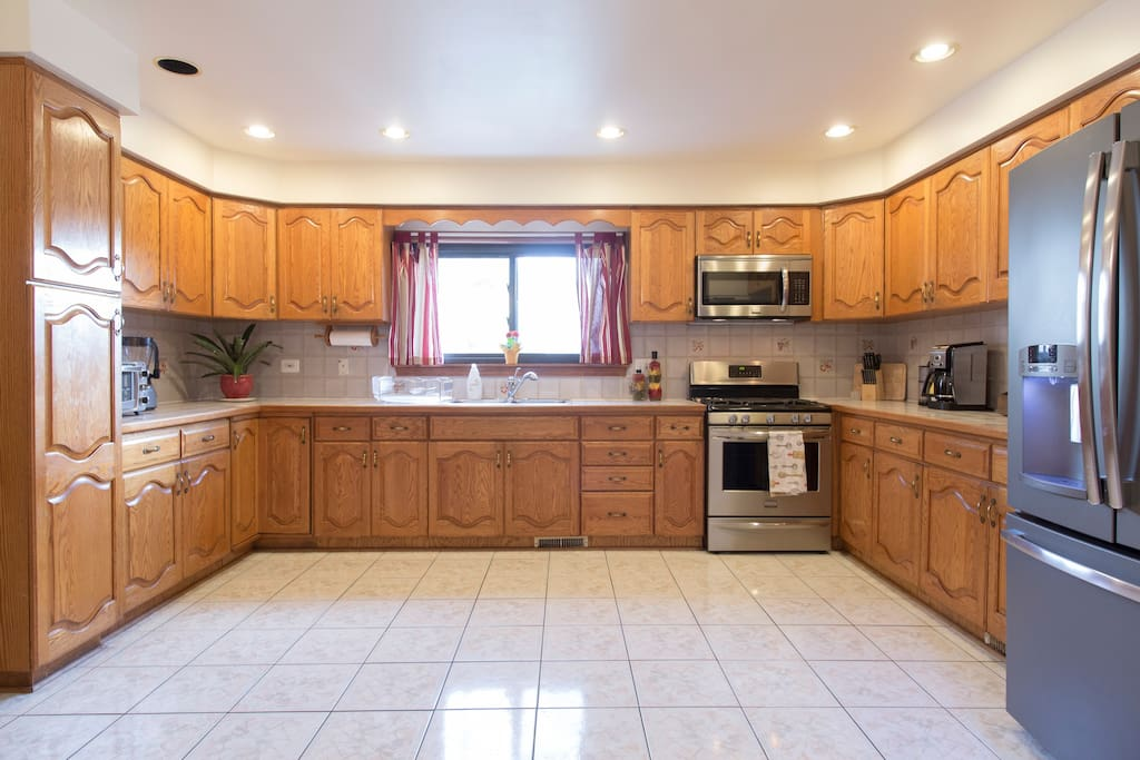 Sweet home chicago 4 bedroom 2 bath houses for rent in for 4 bedroom 4 bathroom house