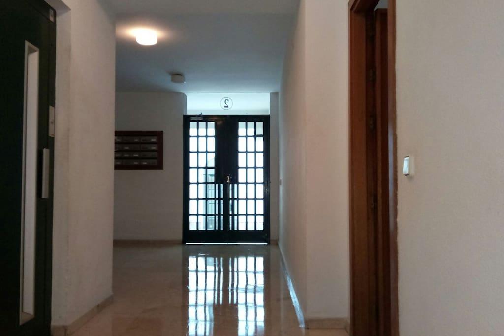 portal entrada al piso planta baja