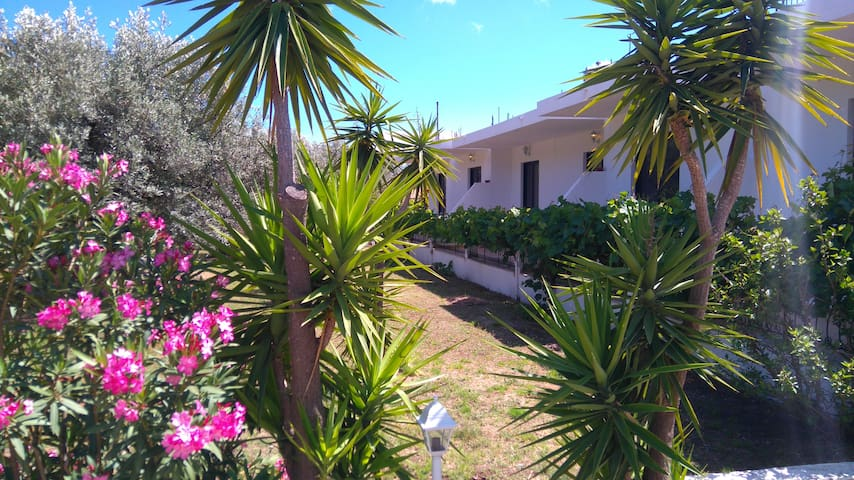 Fully Equipped Apartment-Quiet area-Garden View