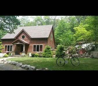 Charming Timber Frame Custom House - Tuxedo Park - Huis