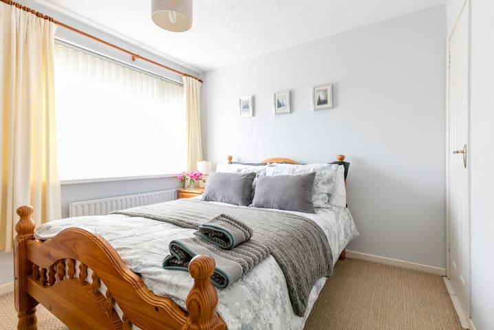 Cozy home 3 miles from Belfast City - Belfast  - บ้าน