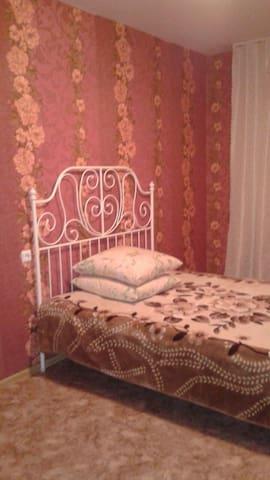 1-комнатные и 2-х комнатные,уютные и чистые - Nizhnekamsk - Lägenhet