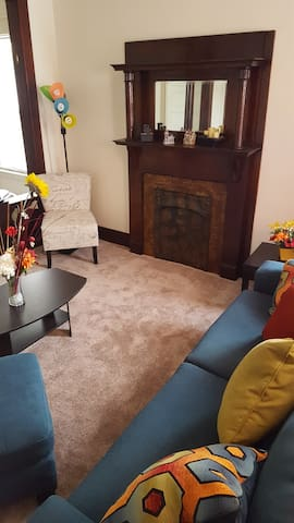 Sunny, Quiet, and Affordable Room! The Oasis - Schenectady - Lägenhet