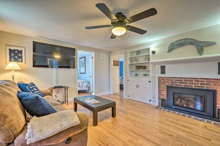 Eastham Home w/ Outdoor Shower - 10 mins to Beach!