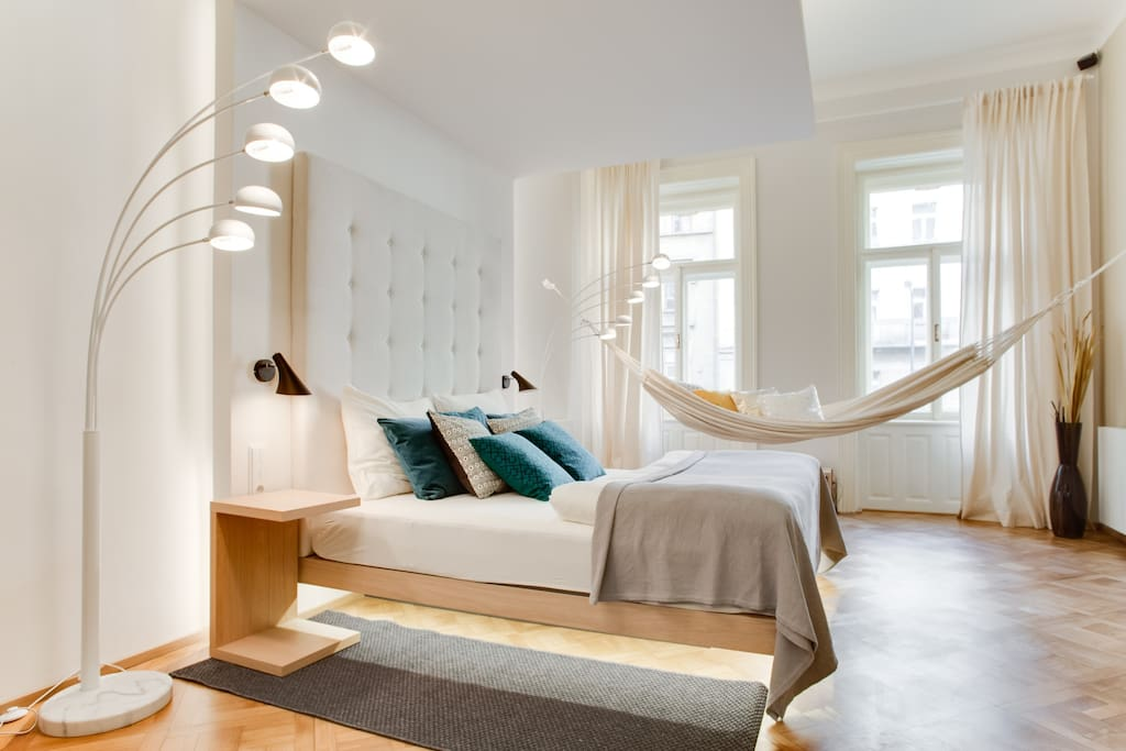 Top design luxury apartment appartements louer for Designer apartment prague