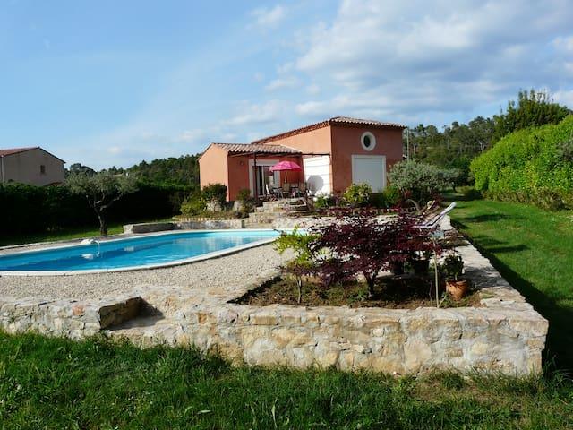 villa pres de la rivière - Sillans-la-Cascade - Casa