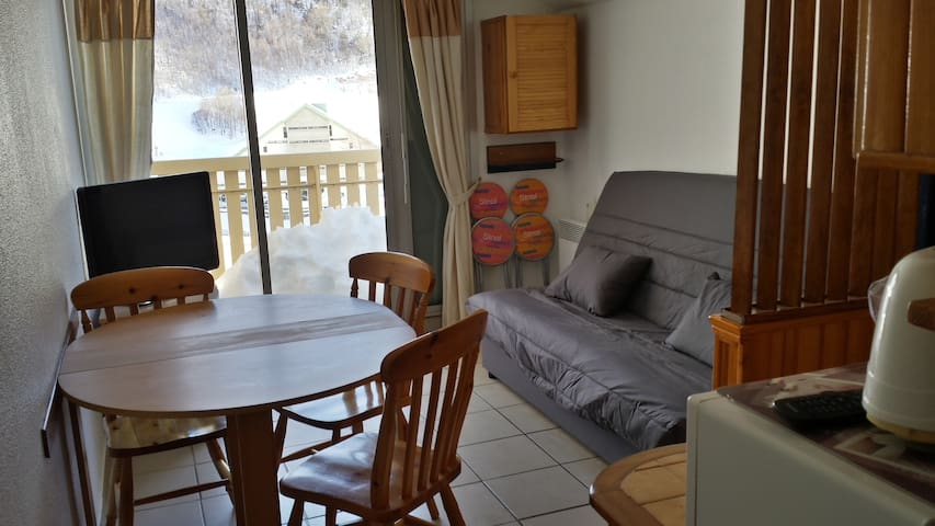 LOCATION APPARTEMENT GOURETTE FACE AUX PISTES