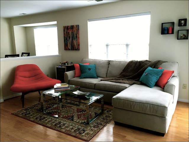 Fully renovated condo - Awesome location! - Charlotte - Apto. en complejo residencial
