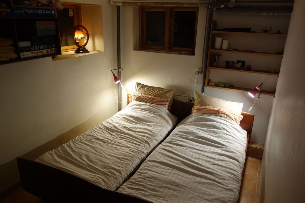 The room with beds together.