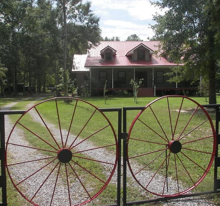 Stay on a farm, beautiful home , bedroom # 2