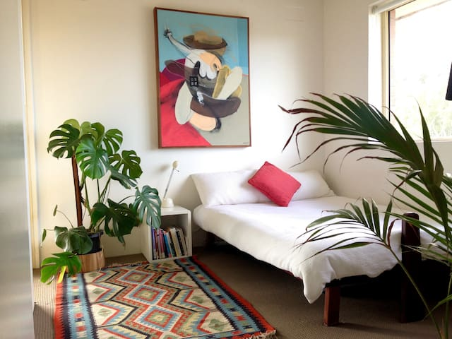 Fly in Fly out SYD // Private 1bd Apt with Balcony - Mascot - Apartamento