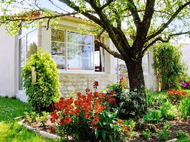 Superb house near seashore - Barzan