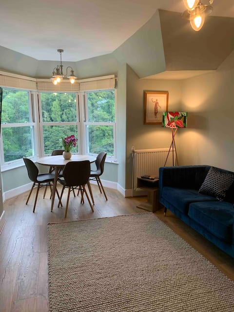 A beautiful two bedroom 1st floor apartment