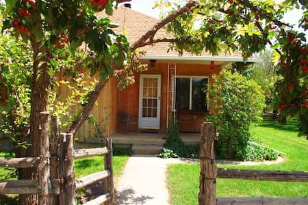 Wild West Retreat Pioneer Home - Escalante