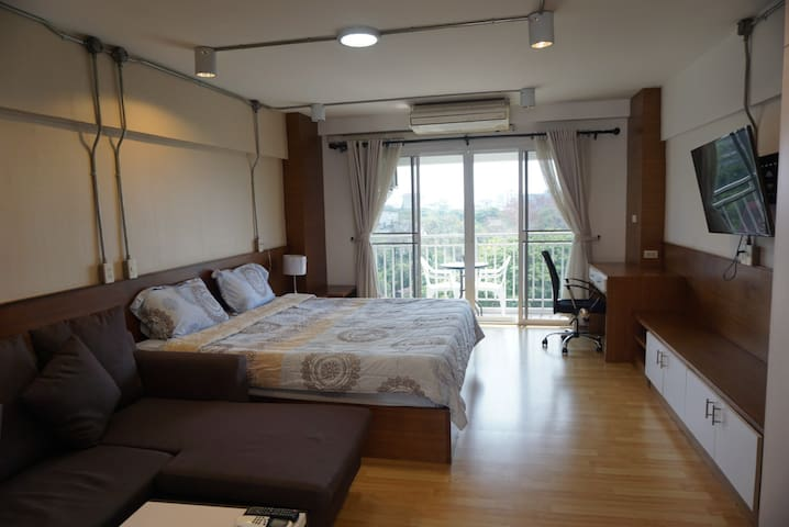 Studio condo in Chiang Mai city center