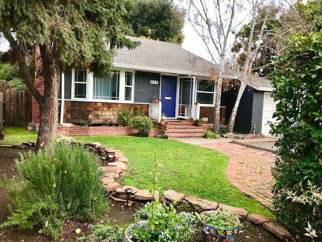 Cozy Escape in the Heart of Silicon Valley - Menlo Park - Huis
