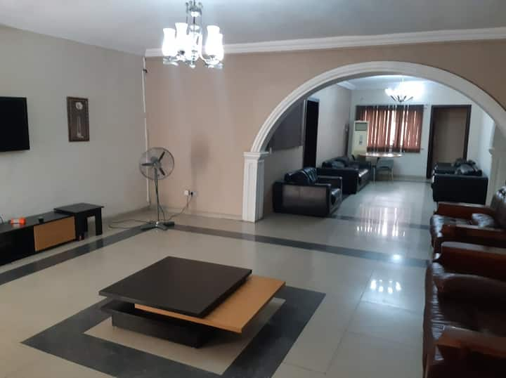 David Royal Suites Four Bedroom Apartment