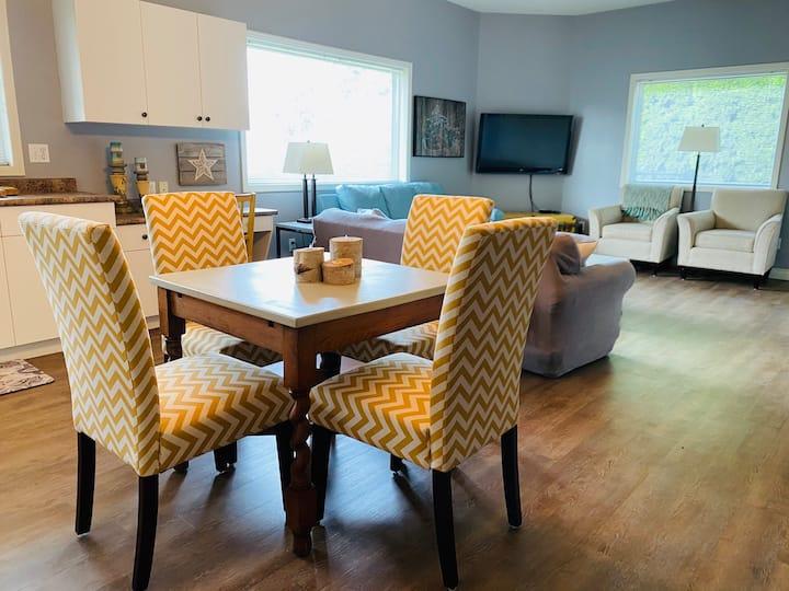 Shuswap Lakeview Suite