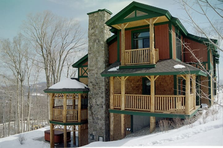 Luxury Stratton Ski In / Ski Out On Mountain Home - Stratton - Rivitalo