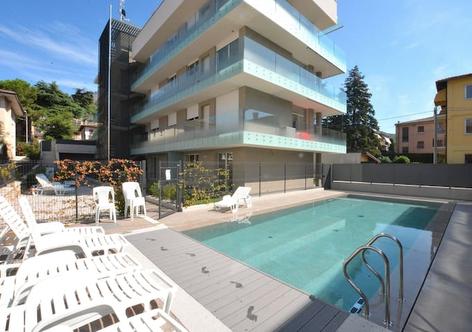 Apartment Terre Scaligere With Pool