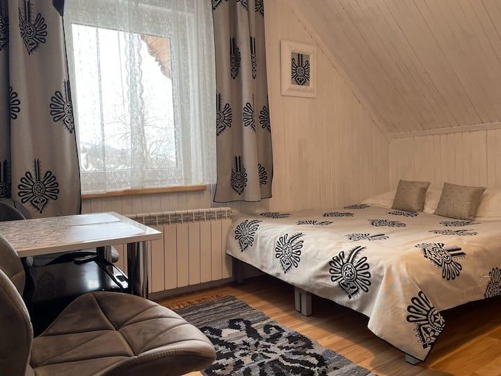 ZAKO-LODGE, mały pokój 1-osobowy z łazienką