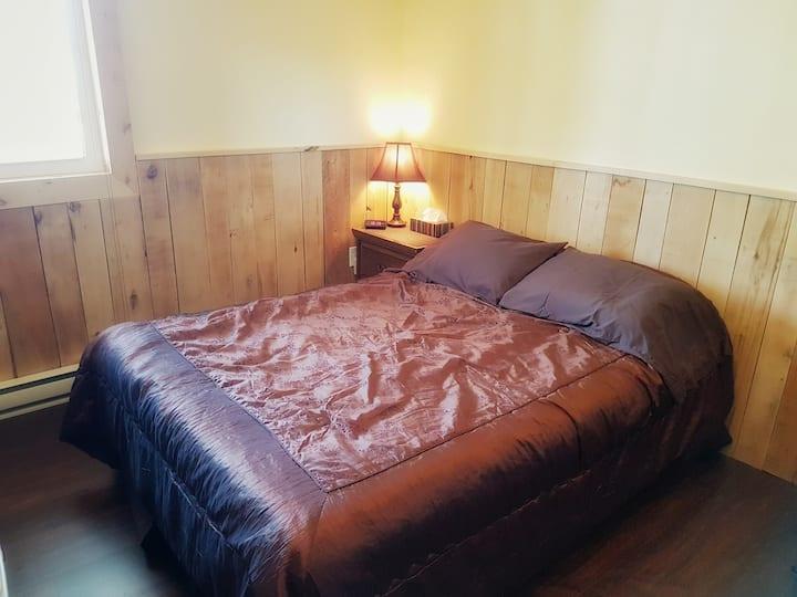 Chambre privée dans une chaleureuse auberge