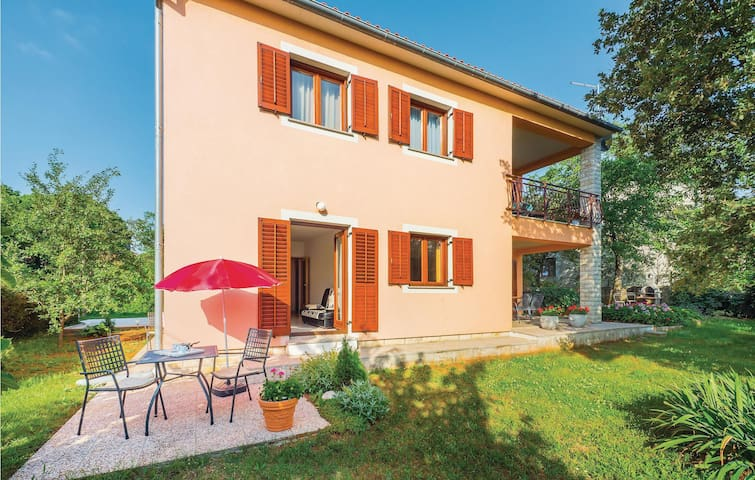 Holiday apartment with 1 bedroom on 42m² in Labin