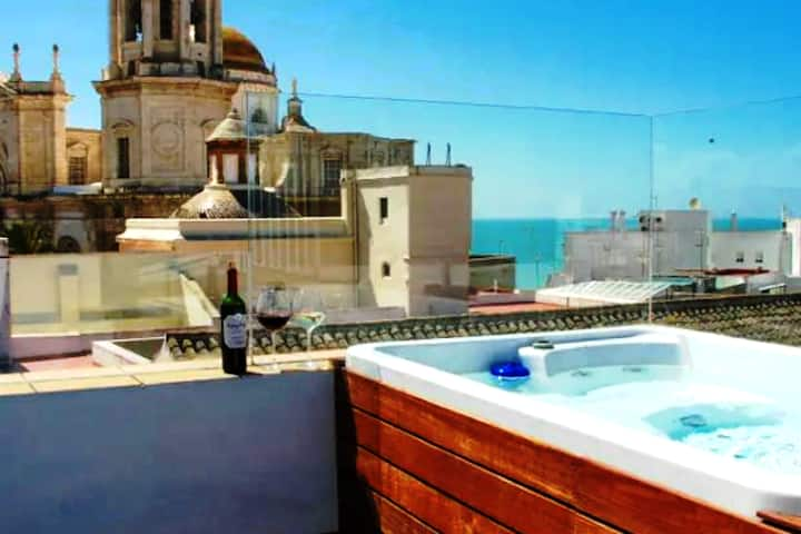 Spectacular Views & Jacuzzi + UNIQUE GIFT!!!