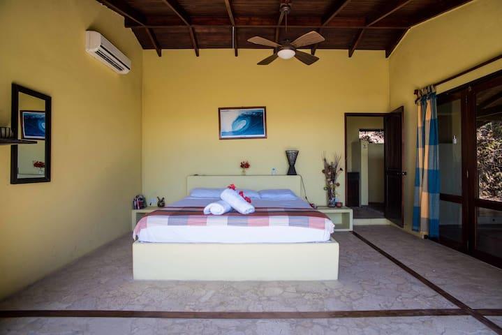 Beautiful 1br Ocean view Villa - Santa Teresa - Puntarenas Province - Bed & Breakfast