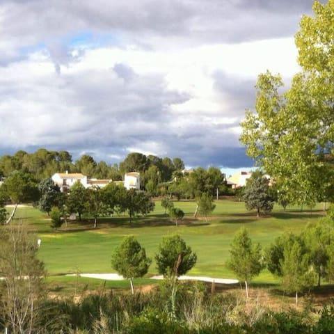 Acogedora Casa El Bosque Golf Club - Hoya de Buñol - Haus
